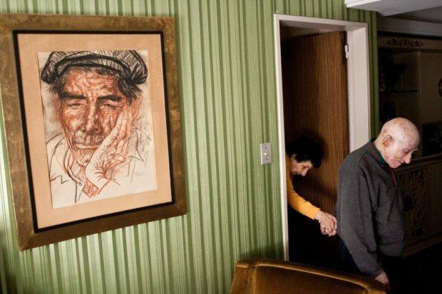 Πρώτο βραβείο 'Καθημερινές Ιστορίες'. Ηλικιωμένο ζευγάρι στο Μπουένος Άιρες. Η γυναίκα πάσχει από Αλτσχάιμερ.
