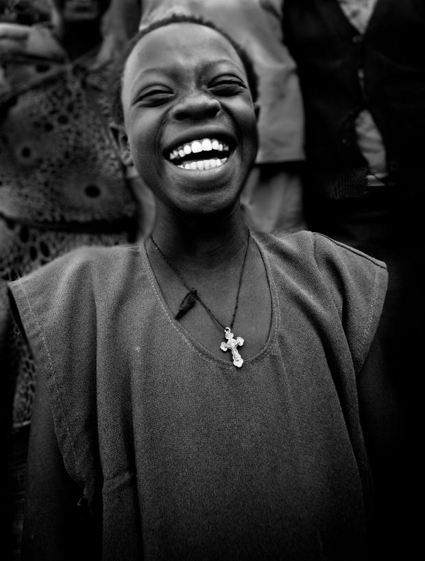 Ορφανό κοριτσάκι, με το χαμόγελο διαρκώς, που ζει σε  νοσοκομείο της Αιθιοπίας