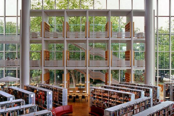 Η βιβλιοθήκη της πόλης του Μάλμο, Σουηδία